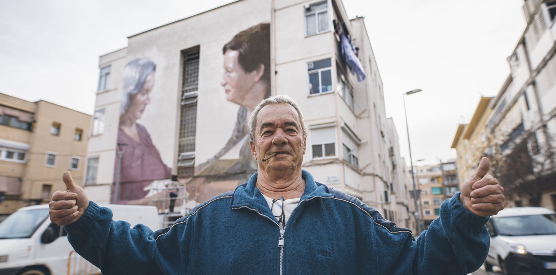 Mural comunitari Gent Gran per l'artista Elisa Capdevila, l'Hospitalet, 2019