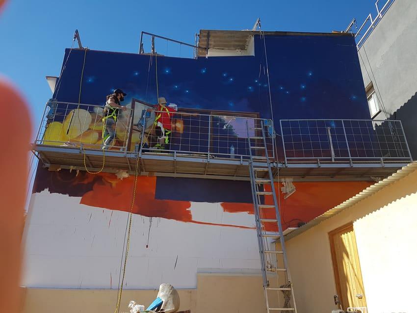 Mural de graffiti de Garcia Lorca en catselldefels