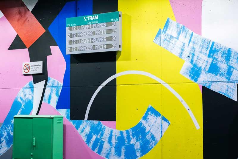 Intervención-artística-de-Mur0ne-en-la-estación-de-TRAM-Cornellà-Centre_-Producción-de-Rebobinart_-Image-by-Laura-Abad–2-(5)