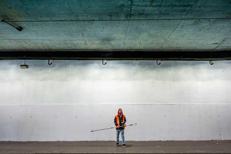 Intervención-artística-de-Mur0ne-en-la-estación-de-TRAM-Cornellà-Centre_-Producción-de-Rebobinart_-Image-by-Lluís-Miras-(6)