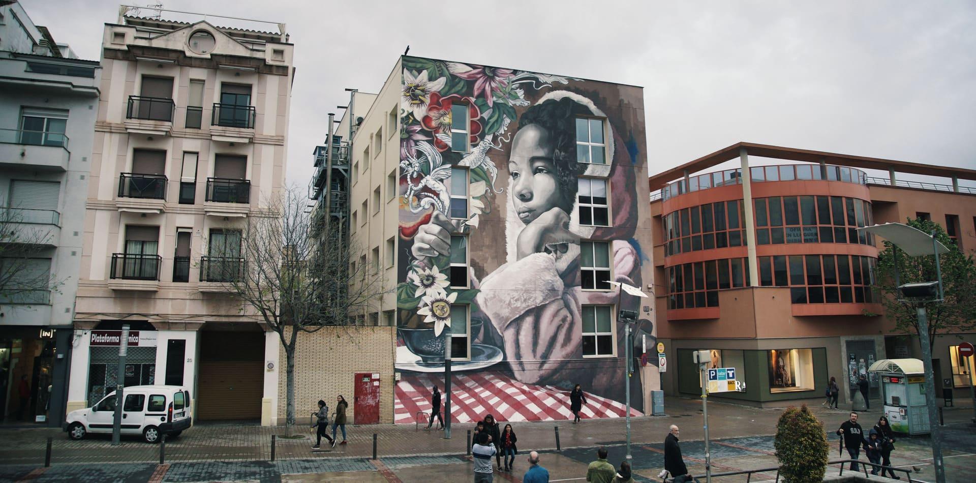 Mural de Lula Goce para el proyecto Womart, Vilanova i la Geltrú, 2018