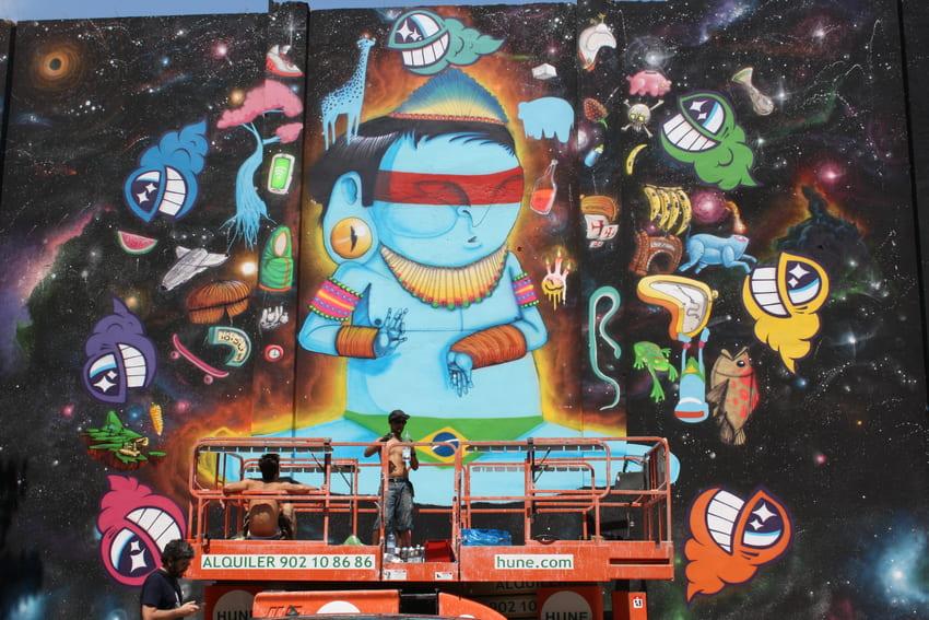 cranio y pez mural graffiti barcelona (1)