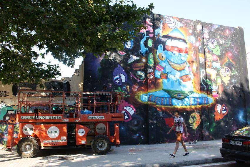 cranio y pez mural graffiti barcelona (2)