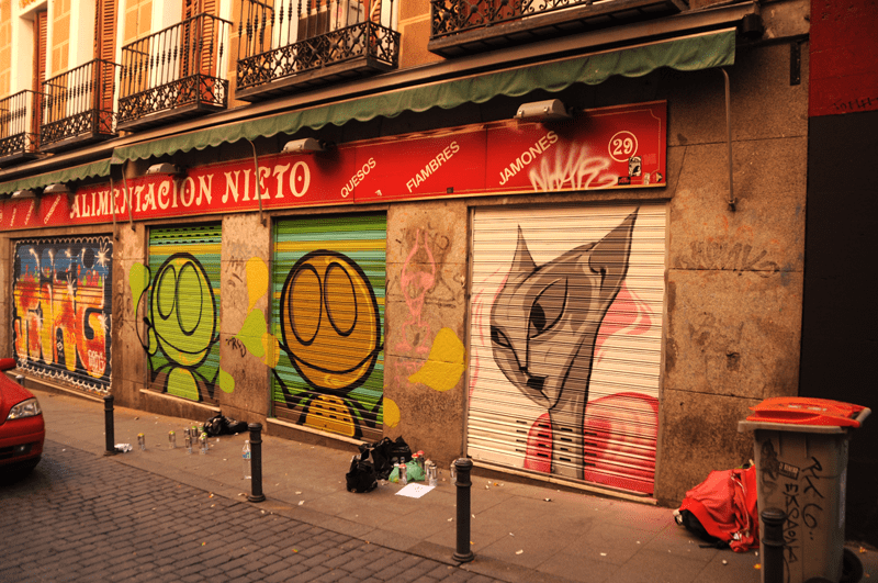 persianes lliures madrid malasaña graffiti (1)