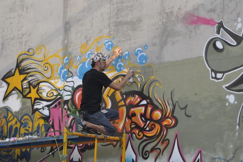 quatre camins graffiti persianes lliures art urba (5)