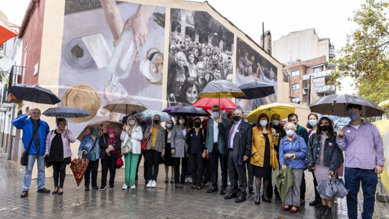 fotografía institucional de mural de arte urbano